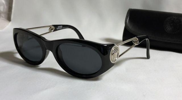 コピー美 Versace スーパーコピー スーパーコピーヴェルサーチ スーパーコピー スーパーコピー メデューサアイコン装飾ピンフレーム サングラス黒×シルバー-3