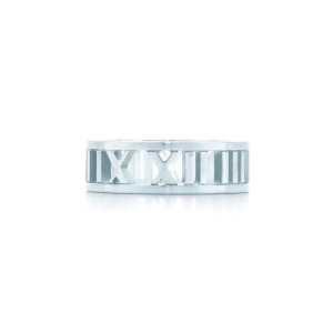 ティファニー アトラス 指輪 レディース 個性的なスタイリングで大歓迎 Tiffany & Co コピー ストリート シルバー 着こなし 格安-3