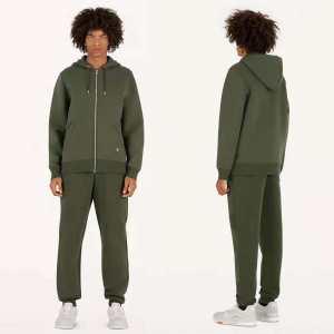 おしゃれ感度が高い秋冬トレンド 2019秋のファッショントレンドはこれ ルイ ヴィトン LOUIS VUITTON 上下セット-3