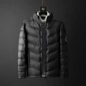 2色可選 2020秋冬おすすめブランド紹介 モンクレール MONCLER 大注目の今季の秋冬ファッション メンズ ダウンジャケット 幅広い着こなしブランドおすすめ-3