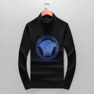 秋冬ファッションコーディネート ヴェルサーチ VERSACE 長袖Tシャツ 最速2019秋冬トレンドブランド-3