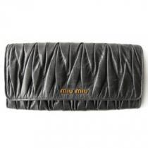 ミュウミュウスーパーコピー MIUMIU 長財布 二つ折りフラップ プリーツレザー/マテラッセ ブラック NERO 5M1109 MATELASSE/LUX-1