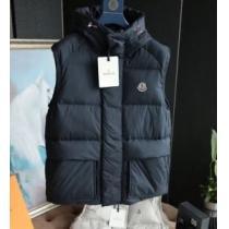 2019秋のファッショントレンドはこれ MONCLER  モンクレール せっかくならファッションの秋冬新作 ダウンジャケット メンズ 秋冬に似合うスタイル-1