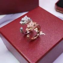 Cartier レディース リング 指先をスタイリッシュに彩る カルティエ コピー パンテール シルバー ゴールド 着こなし 安価-1