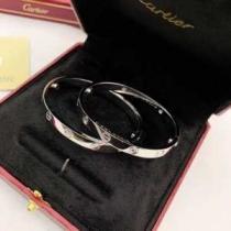 カルティエ ブレスレット ナット 洗練されたシンプルさをプラス レディース Cartier コピー シルバー ゴールド おすすめ 最安値-1