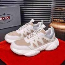 PRADA スニーカー メンズ スポーティなコーデに最適 限定品 プラダ コピー 激安 ストリート ホワイト コーデ 通勤通学 最低価格-1