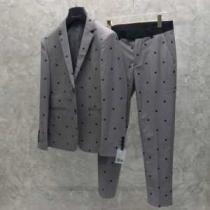 価値大の2019SS秋冬アイテム FENDI  スーツ  爽やかで清潔感のある  高い人気-1