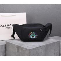 BALENCIAGA メンズ ウエストバッグ 圧倒的存在感ある限定新作 バレンシアガ コピー ブラック ストリート おしゃれ 品質保証-1