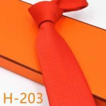 2020秋冬着こなし方おすすめ エルメス ややカジュアルな印象を演出 HERMES ネクタイ-1