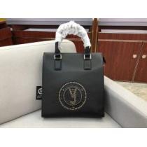ヴェルサーチ 今年の冬のトレンドデザイン  VERSACE 秋冬スタイルを華やかに ハンドバッグ  上品な冬スタイルを楽しもう-1