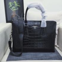 ビジネスバッグ 2020秋冬の新作 プラダ 冬のおしゃれを楽しみたい PRADA 冬の落ち着いたファッションに取り-1