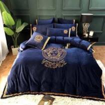 ヴェルサーチ VERSACE 寝具4点セット 2020年秋に買うべき 都会的なイメージを与える-1