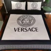 ヴェルサーチ VERSACE 寝具4点セット 2020秋冬憧れスタイル 暖かく冬らしいコーデに変身-1