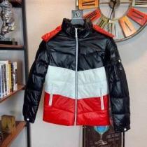 メンズ ダウンジャケット 今年の冬のトレンドデザイン  モンクレール 着こなしをマスターする  MONCLER 2020秋冬定番コーデ-1