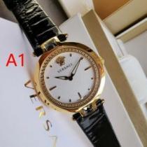 おしゃれな人は愛用中 ヴェルサーチ腕時計コピー VERSACEスーパーコピー 機能性と美しさの兼備 激安大特価100%新品-1