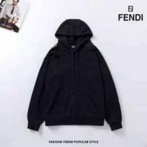 2020秋冬の新作 2色可選 冬の落ち着いたファッションに取り フェンディ FENDI パーカー-1