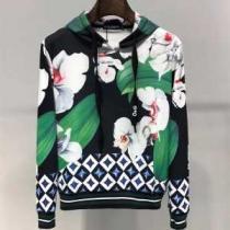 2020秋冬の最旬コーデ術 ドルチェ&ガッバーナ Dolce&Gabbana パーカー 季節感のあるコーデを完成-1