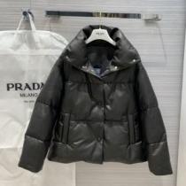 プラダ PRADA 爽やかな心躍るコーディネート  ダウンジャケット 素敵に取り入れたコーデ  2色可選 洗練されたチェックコーデに-1