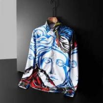 ヴェルサーチ VERSACE シャツ 2020秋冬の最旬コーデ術 着こなしに素敵なエッセンス-1