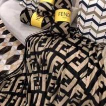 大好評の値引きセール新作 フェンディ コピーFENDI大好評の毛布激安通販 優しく肌にフィットする 柔らかでなめらかな感触-1