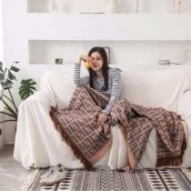 在庫一掃セールの大好評の新作 フェンディ スーパー コピーFENDIコピー通販毛布 海外セレブの愛用者も多い 機能性やデザインの兼備-1