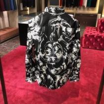 大人気品が漂うアイテム ヴェルサーチ シャツ コピー VERSACE メンズ 人気 ブラック カジュアル デイリー ブランド 最低価格-1