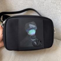 シンプルなファッション ミニバッグ 2020モデル  ヴァレンティノ VALENTINO-1