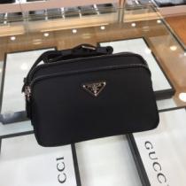 プラダ ショルダーバッグ 新作 手軽にトレンド感が出るモデル PRADA メンズ ブラック ブランド コピー 相性抜群 最低価格-1