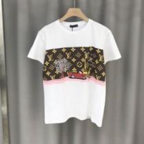海外セレブも愛用する ヴィトンコピー通販 独特な魅力に溢れる LOUIS VUITTON半袖Tシャツ 世界中で人気を集める-1