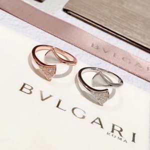 ブルガリストリート感あふれ  BVLGARI 普段使いにも最適なアイテム リング/指輪-3