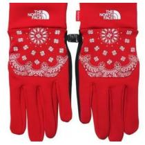 SUPREME スーパーコピー × North FACE スーパーコピー Bandana Glove Red
